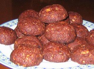 Biscotti semplici al cacao e rum