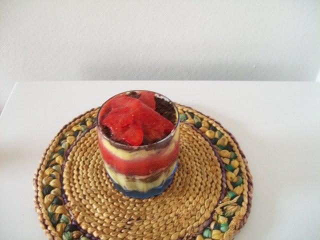 Salsa di fragole, cioccolato e crema pasticcera
