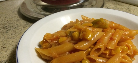 Penne con peperoni gialli e miele - Magic Cooker