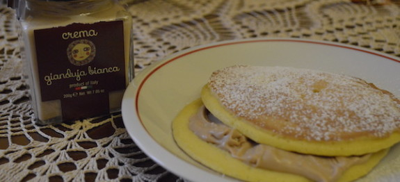 Pancakes con Crema al Gianduja Bianca